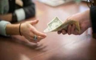 Как действовать, если коллекторы требуют выплатить долг?